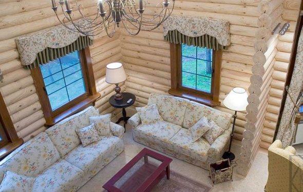 Короткие шторы, похожие на
