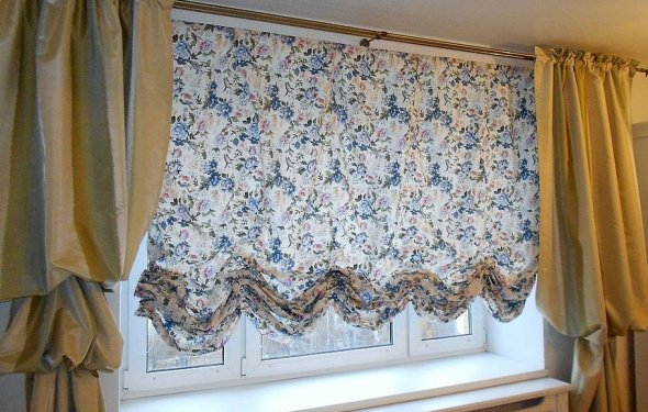 Короткие белы шторы в стиле
